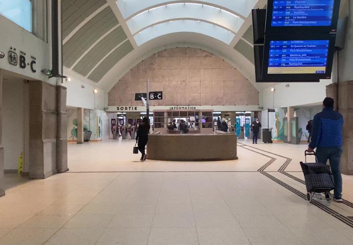 Gare de Versailles-Chantiers