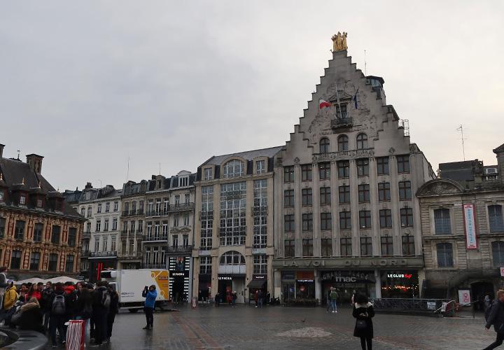 Place du Théâtre テアトル広場